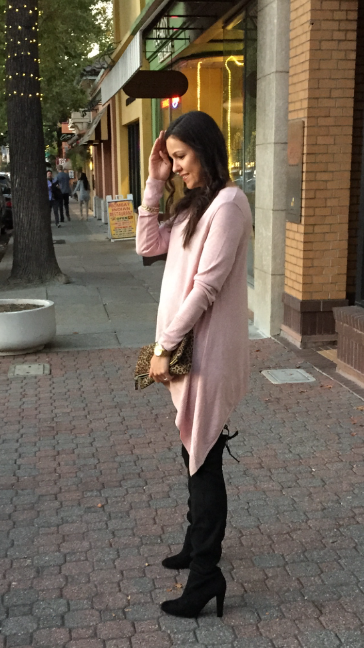 Pink sweater + leggings | How to style the bump | maternity fashion | fall and winter style ideas | fall fashion tips