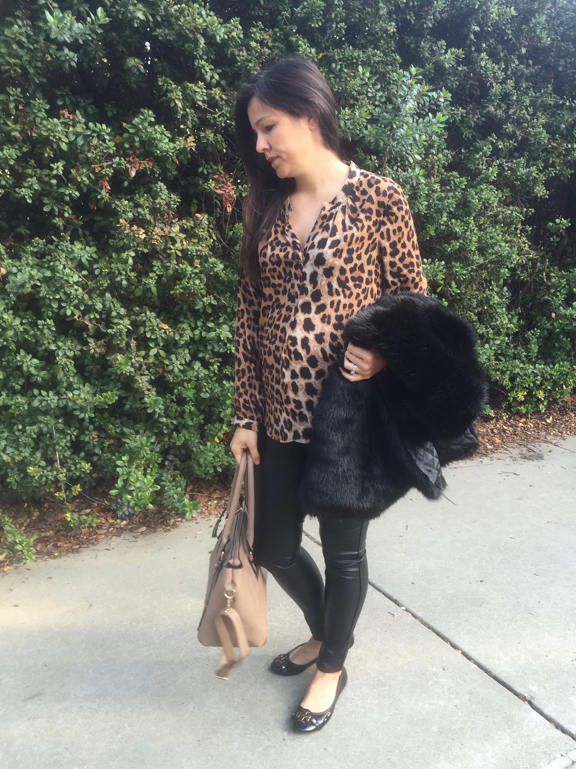 How to style the bump | maternity fashion | fall fashion | styling for fall and winter | cool weather | leopard shirt
