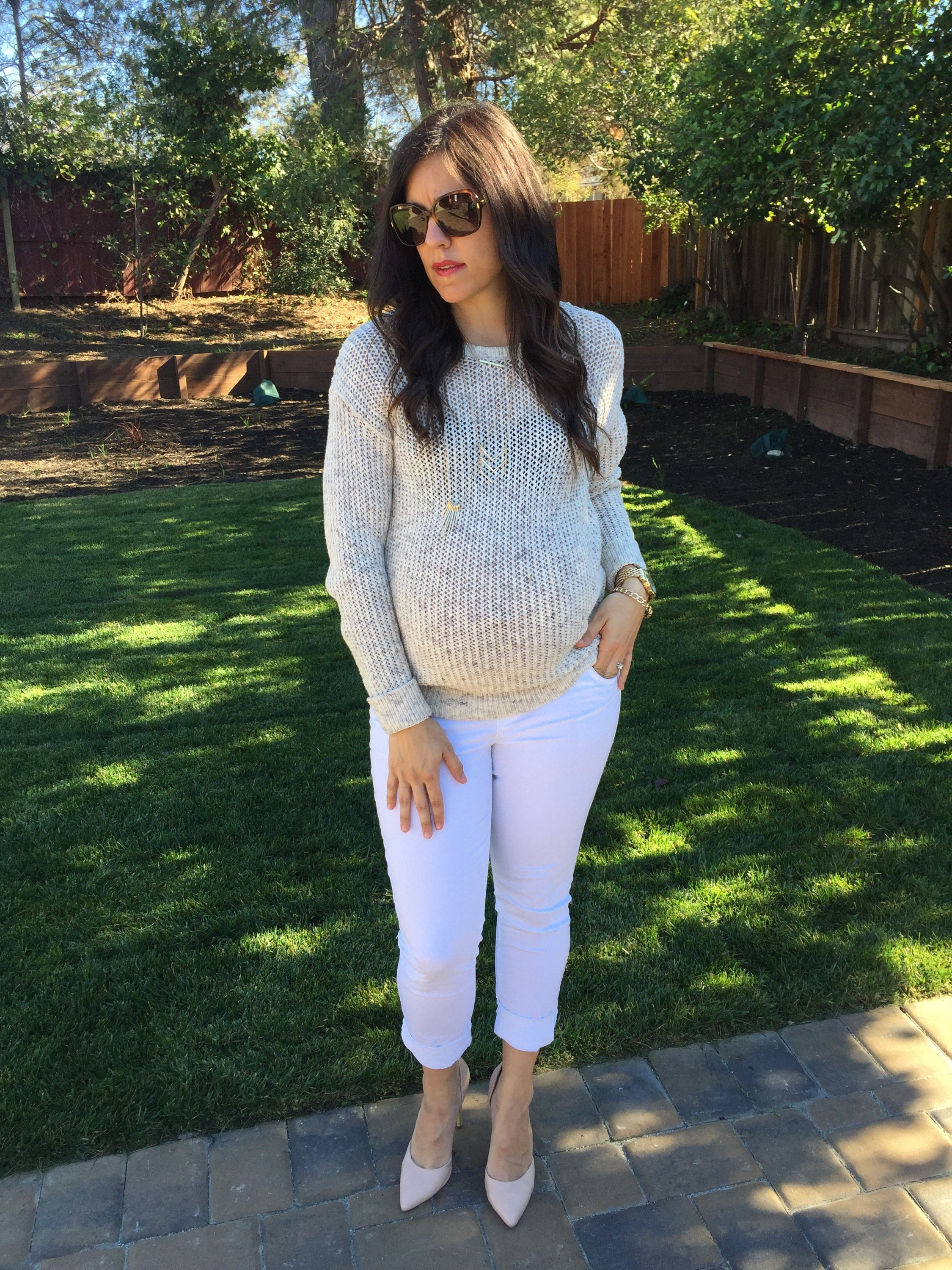 All white outfit | how to style the bump | maternity fashion | fall and winter style | winter fashion tips | cool weather fashion