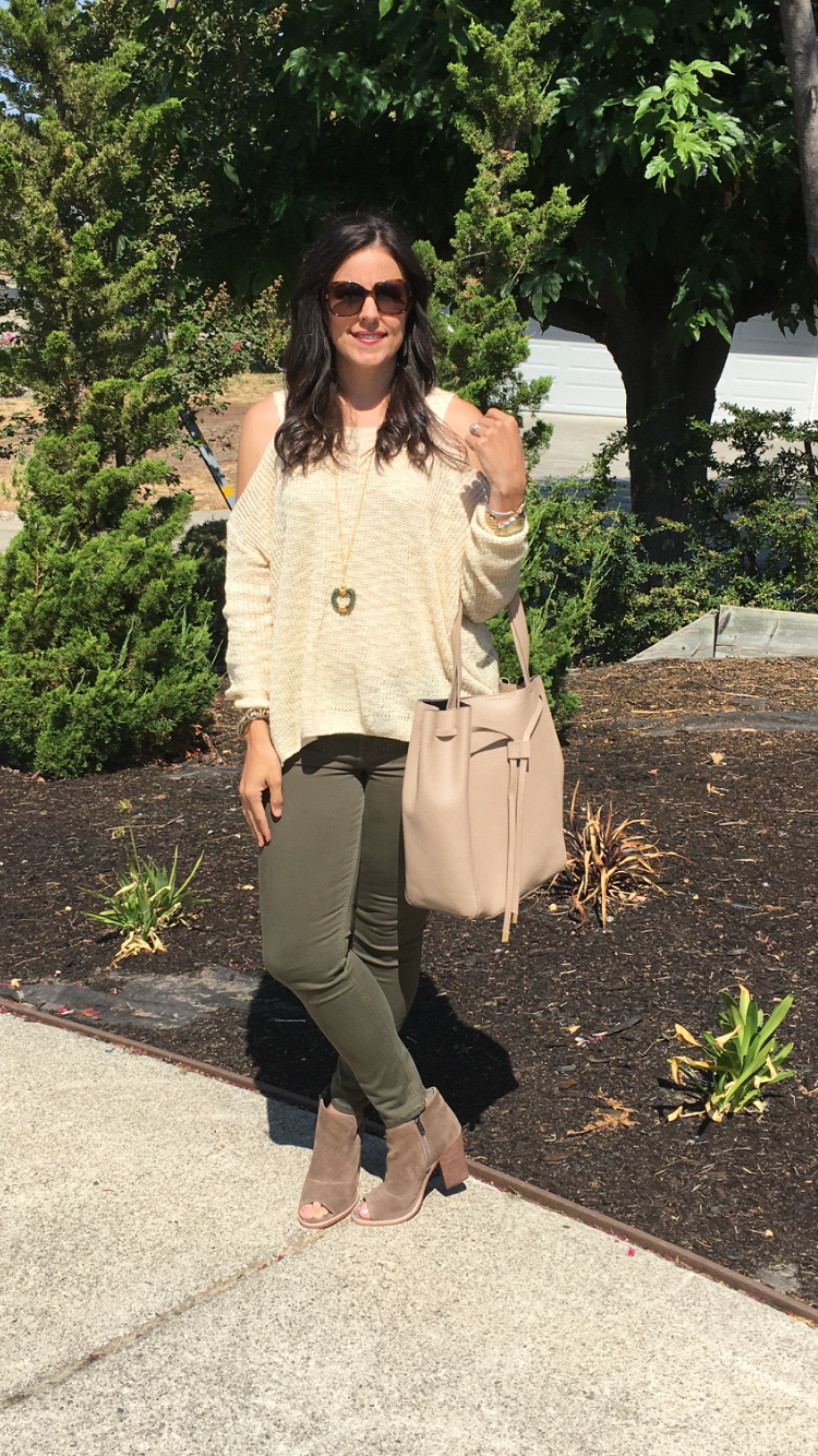 How to style a cold shoulder sweater | fall fashion | styling for fall and winter | cool weather fashion | booties