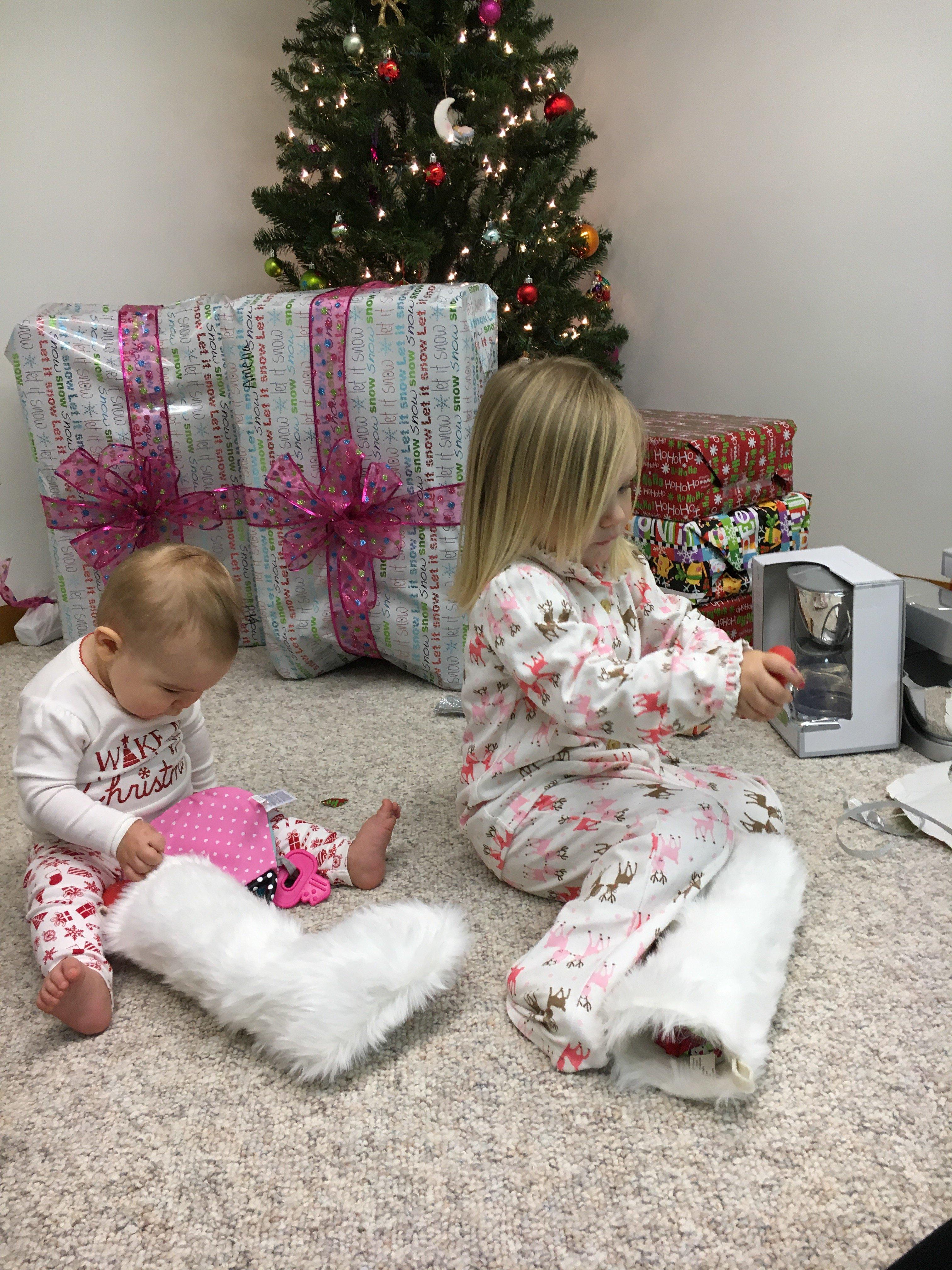 Mom Life Monday: Holiday Round Up