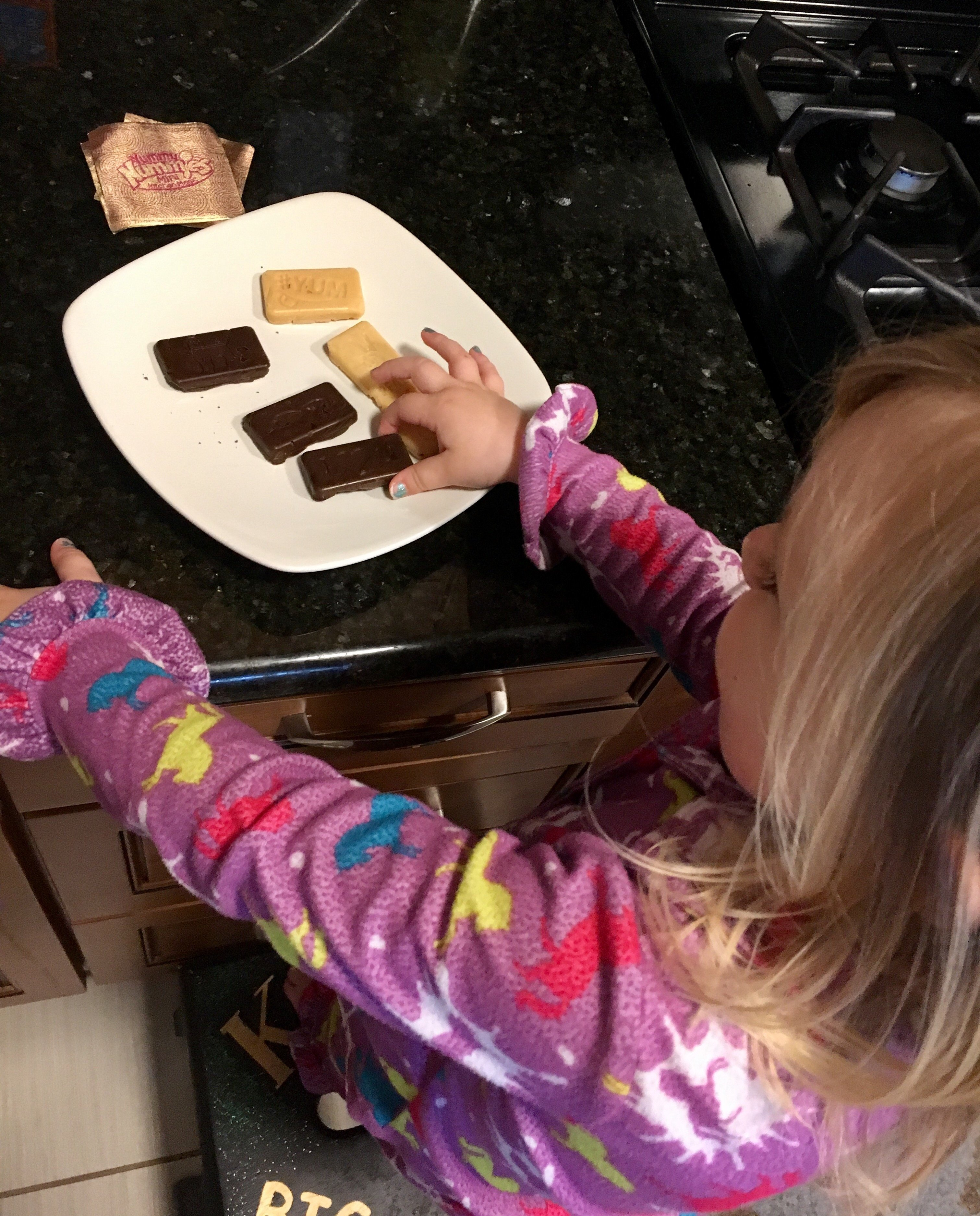 Making chocolate with kids | candy making | rainy day kid activities | candy making idea | family life