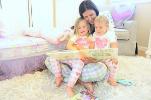 Mom Life Monday's: Importance of Reading With Your Kids + Incredibundles Giveaway