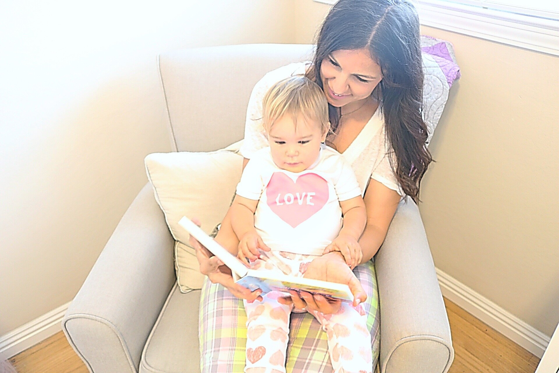 Why it's important to read with your kids, tips for reading with kids, why kids should start reading early, when to start reading to kids