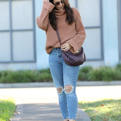 Cozy Sweater: Perfect For Your Thanksgiving Day Outfit